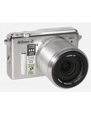 Nikon 1 AW1: Sprung ins Wasser